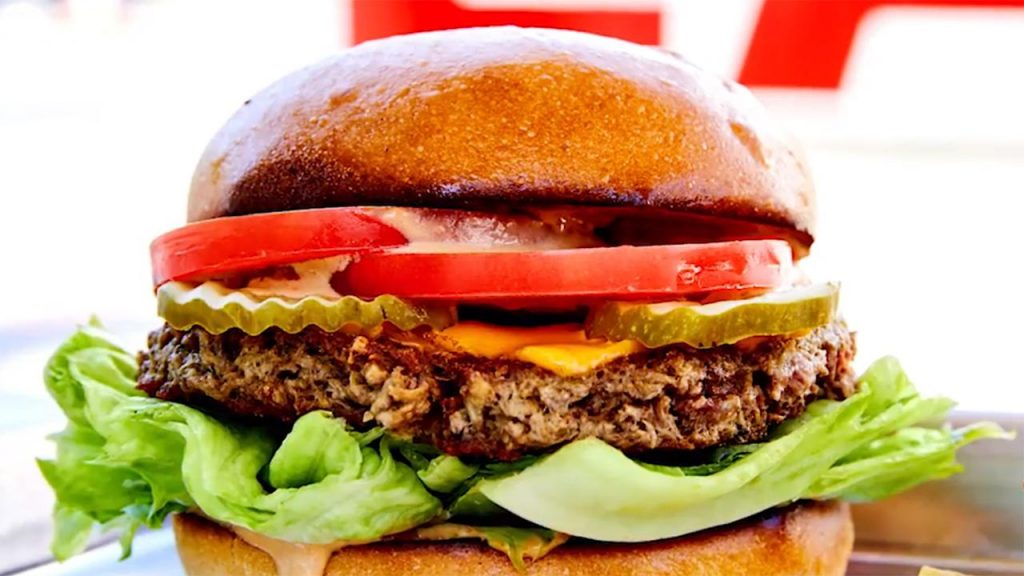 Bánh kẹp thịt Impossible Burger của công ty Impossible Foods. Ảnh: NPR